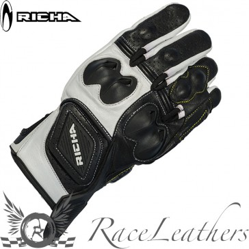 Richa Indy Black White