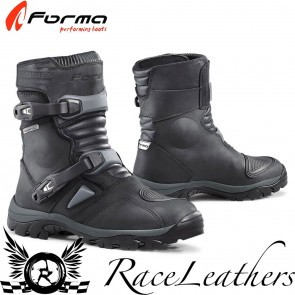 Forma Adventure Low Black Boots